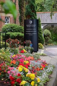 Picture of Macdonald Kilhey Court
