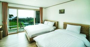 Bowhill Hostel & Pension, Resort  Seogwipo - big - 5