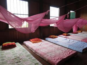 Isanborei Homestay 9, Ubytování v soukromí  Kâmpóng Chheutéal - big - 2