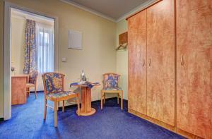 Haus Seeblick Hotel Garni & Ferienwohnungen, Hotely  Zinnowitz - big - 20