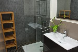 AB Apartamentos H2O, Apartments  Málaga - big - 15