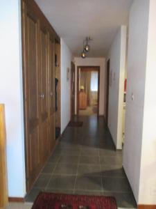 One-Bedroom Apartment Mondzeu 245 C, Apartmány  Verbier - big - 6