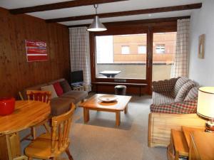 One-Bedroom Apartment Mondzeu 245 C, Apartmány  Verbier - big - 10