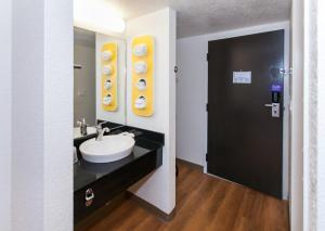 Double Room with Two Double Beds - Accessible