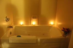 Double Room with Two Double Beds and Spa Bath