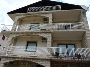 Apartment White Lady, Ferienwohnungen  Trogir - big - 15