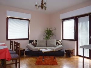 Apartment White Lady, Ferienwohnungen  Trogir - big - 70