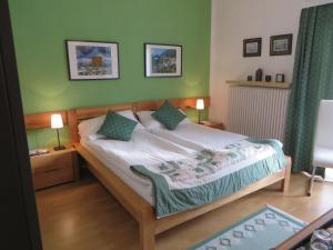 Haus Erika, Bed & Breakfast  Bad Gastein - big - 12