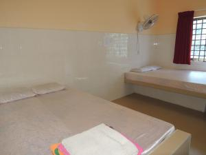 Somros Thmey Guesthouse, Гостевые дома  Prey Veng - big - 5