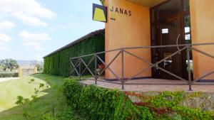 Janas Country Resort, Hotely  Mores - big - 37