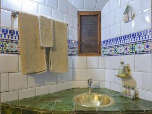 Kasbah Dar Daif, Bed and breakfasts  Ouarzazate - big - 8