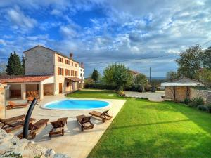 Villa Moncalvo 356