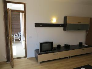 Borovets Holiday Apartments - Different Locations in Borovets, Apartments  Borovets - big - 91