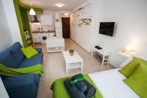 Holidays2Malaga Studios Juan de Mena, Apartments  Málaga - big - 21