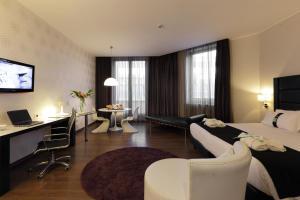 Holiday Inn Genoa City, Szállodák  Genova - big - 13