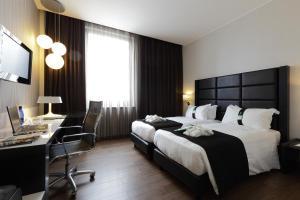 Holiday Inn Genoa City, Szállodák  Genova - big - 11