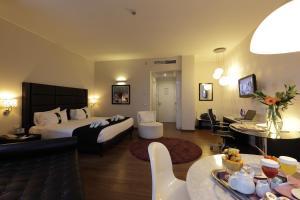 Holiday Inn Genoa City, Szállodák  Genova - big - 14