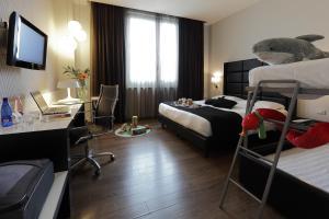 Holiday Inn Genoa City, Szállodák  Genova - big - 10