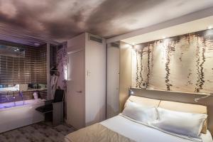 Balneo Double Room with Chromotherapy Bath