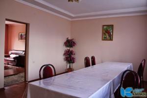 Отель Denis Guest House, Каракол