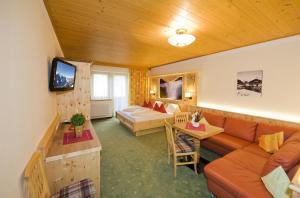 Ski in Ski out Hotel Unterellmau, Hotely  Saalbach Hinterglemm - big - 41