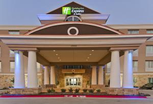 Holiday Inn Express and Suites Forth Worth North - Northlake, Szállodák  Roanoke - big - 1