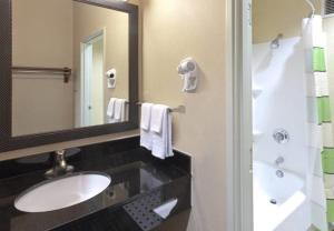 Fairfield Inn & Suites Portland West Beaverton, Hotels  Beaverton - big - 4