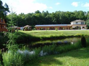 The Highlands Motel.  Photo 17