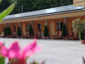 The Highlands Motel.  Photo 19