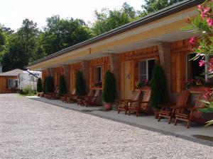 The Highlands Motel.  Photo 20