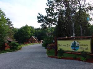 The Highlands Motel.  Photo 8