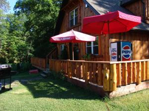 The Highlands Motel.  Photo 11