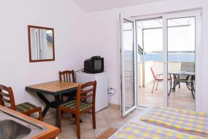 Apartments Villa Supertom, Apartmanok  Povljana - big - 31