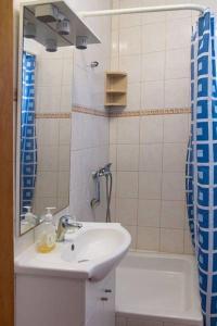 Apartments Villa Supertom, Apartmanok  Povljana - big - 30