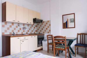 Apartments Villa Supertom, Apartmanok  Povljana - big - 24