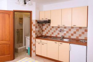 Apartments Villa Supertom, Apartmanok  Povljana - big - 43