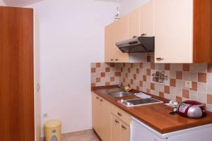 Apartments Villa Supertom, Apartmanok  Povljana - big - 38