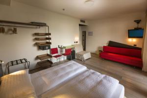 Ambienthotel PrimaLuna, Hotely  Malcesine - big - 100