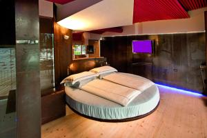 Ambienthotel PrimaLuna, Hotely  Malcesine - big - 35