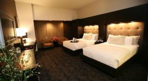 Catfish - Double Room with Two Double Beds (Adult Only)
