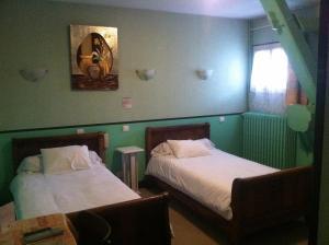 Logis Hostellerie Du Cheval Blanc, Hotely  Sainte-Maure-de-Touraine - big - 11