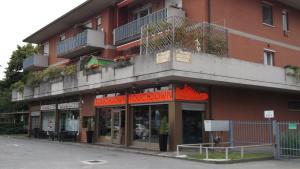 Guesthouse La Rocca, Penziony  Grassobbio - big - 8