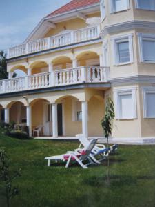 Rosen Villa Hévíz, Apartmány  Hévíz - big - 1