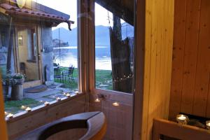 Casa Capanno, Holiday homes  Varenna - big - 38