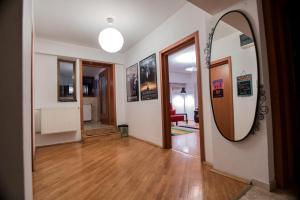 Maison du Film au Centre-Ville, Apartmanok  Bukarest - big - 13