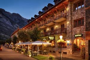 Hotel Ciria, Отели  Бенаске - big - 38