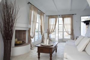 Boundless Blue Villas, Villas  Platis Yialos Mykonos - big - 18