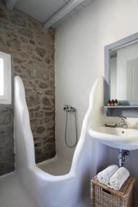 Boundless Blue Villas, Villas  Platis Yialos Mykonos - big - 4