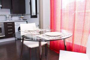 Apartamentos Calle José, Апартаменты  Мадрид - big - 97