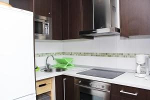 Apartamentos Calle José, Appartamenti  Madrid - big - 98